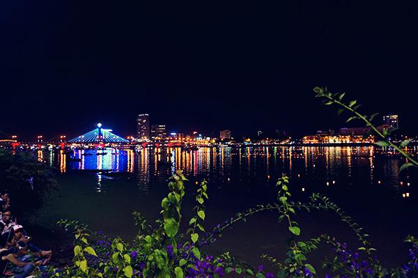 Lovely lanterns lighting up the lake
